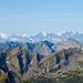 Walliser Hochalpen (Kontrast erhöht). Das Weisshorn ist immerhin 85km entfernt.