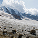 Den aperen und hier weitgehend spaltenfreien Gletscher überqueren wir noch ein Stück weit auf unserer Reko.