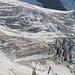 Zoom zum Eisbruch. Ganz links sind Teile der Aufstiegsspur zu sehen. Sie verläuft aber noch etwas weiter links (vgl. späteres Bild).