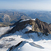 Blick zum Piz Cambrena. Davor der Pers-Palü Gletscher mit Aufstiegsspur.