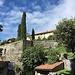 Zypressen begrüssen den Wanderer in Sagno - dem Dichterdorf von Francesco Chiesa