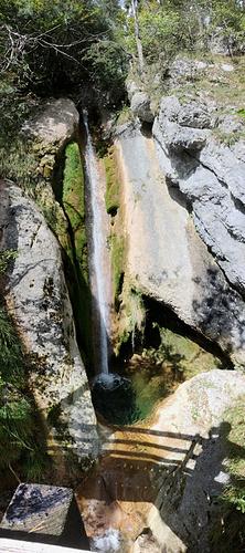 Ein Bild, das Baum, Rock, draußen enthält.  Automatisch generierte Beschreibung