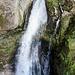 Der unterste Wasserfall (Rund 10 Meter Fallhöhe).