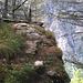 Sur le bisse de Heuspilwasser, le passage délicat à 2100m