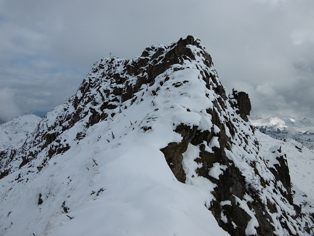 Es liegen noch einige Kletterstellen (wegen des Schnees II) vor mir!