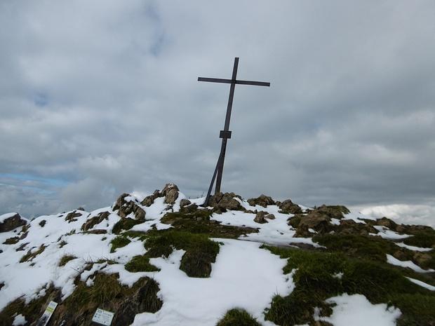 Noch ein schiefes Kreuz ohne Kastl für ein Gipfelbuch.