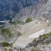 Blick auf die kärglichen Gletscherreste. Dort in der Nähe ist auch der Einstieg zum historischen Kugy-Steig.