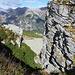 La bocchetta alla base del Poncione del Rosso pur essendo in piedi non sembra presentare soverchie difficoltà e permette di raggiungere il sottostante ripiano dell'Alpe Arena.
