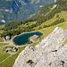 Tiefblick zum Härzlisee, zur Brunnihütte und zur Bergstation. Der Fotograf führt indes ein Schattendasein.