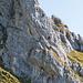 Bei unserem Abstieg sind plötzlich viele Leute gleichzeitig im Zittergrat Klettersteig. Gespannt schauen wir zu.