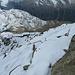 Die Georgy-Hütte war noch geschlossen (der Hüttenwirt stieg selbst erst vom Tal herauf), also ging's gleich zum letzten, kurzen Anstieg auf den Gipfel. Konzentriertes, langsames Steigen ist hier eine gute Idee, obwohl es nicht sehr schwierig war. Dazu trug sicher auch der harte, griffige Schnee bei. Es ist eigentlich nie richtig ausgesetzt.