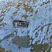 und eine in den Fels gemeisselte Hütte.