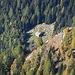 .....Nella valle di Cresciano appare un rifugio poco frequentato,un mio passaggio di 5 anni fa- ..Rifugio alpe di Croslee(1967 m)  http://www.hikr.org/tour/post58662.html