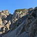 Rückblick vom Trichterrand zum Schillerkopf, - die netten zwei Holländerinnen die ich auf dem Gipfel getroffen habe, sind immer noch oben.