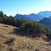 Blick auf Daniel und Zugspitze beim sonnigen Aufstieg