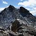 Bald beim Monte Camoscere. Wir sind gerade (und etwas mühsam) die Flanke hoch in den Sattel und von dort auf den Gipfel.