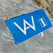 Zu Gast in VAV-Hoheitsgebiet auf dem Picoll NNW-Grat: die Abschnitte auf der Via alta Verzasca lassen sich gut ohne Hilfe der installierten Bügel, Kabel und Ketten begehen (Stellen III), die Markierungen und Pfadspuren erleichtern  aber die Orientierung und das Vorwärtskommen (v.a. bei Nebel...)