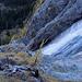 Die Wegführung des Klettersteiges erlaubt immer wieder eindrückliche Einblicke in den Wasserfall.
