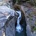 Kurzer Halt bei Schönisei, Wasserfall beim Tüfusbrüggli