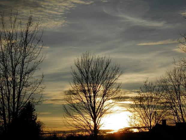 vor Sonnenuntergang- später wurde das Szenario am Himmel noch wesentlich schöner, aber da saß ich schon im Bus