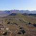 Rückmarsch auf der anderen Seite der Jökulsa mit Blick auf die bunten Berge der Umgebung.