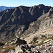 Im Aufstieg vom Refuge de l'Erco zum Monte Cinto - Blick vom Südost-Grat ins Tal, durch welches wir später auf dem Rückweg vom Lac du Cinto absteigen werden.