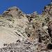 Im Aufstieg vom Refuge de l'Erco zum Monte Cinto - Hier auf ca. 2.280 m. Von nun an gibt's immer wieder kurze Kletterstellen.