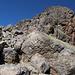 Im Aufstieg vom Refuge de l'Erco zum Monte Cinto - Bei bestem Wetter leuchten die Felsen in verschiedenen Farben.