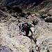 Im Aufstieg vom Refuge de l'Erco zum Monte Cinto - Rückblick an einer weiteren Kraxelstelle, hier auf ca. 2.590 m.