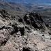 Im Aufstieg vom Refuge de l'Erco zum Monte Cinto - Rückblick in knapp 2.600 m auf den soeben zurückgelegten Abschnitt.