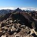 Monte Cinto - Ausblick am Gipfel entlang des (Westsüd-) West-Grats, u. a. zur Pointe des Eboulis und zur Paglia Orba.