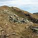 Sanft ansteigend zum Monte Riba del Gias, den man vom Colle di Cervetto aus in einer Viertelstunde erreicht.