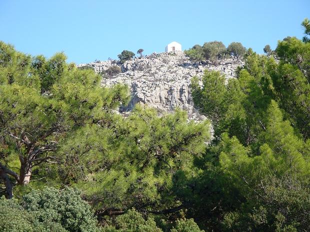 kleine Kapelle auf dem Hügel Profitis Ilias