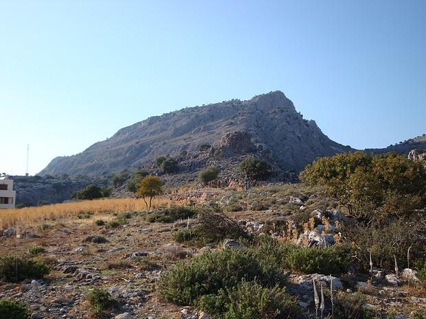 """der richtige Aufstieg zum Marmari erfolgt rechts über ein """"Hochtal""""-zwei Tage später habe ich ihn dann doch noch geschafft..."""