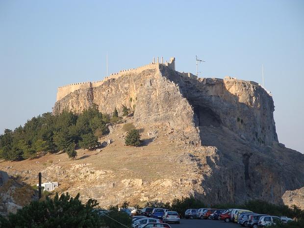 der Burgfelsen von Lindos-der Eintritt in die Burg war unverschämt teuer-ich habe verzichtet