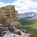 Ab Steinman sieht man den höchsten Punkt. Die Felsen sollte links umgehen werden und können durch eine kurze Rinne erklettert werden.