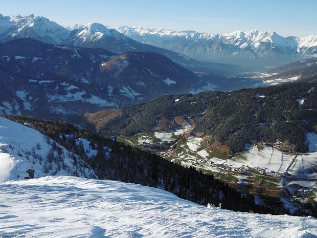 Blick vom Schröflkogel, rechts unten das Naviser Tal