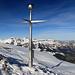 """der """"Gipfelstern"""" auf dem Margelchopf, im Hintergrund der Alpstein"""