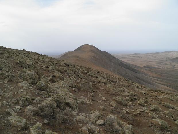 Blick zum höchsten Punkt der Tour-Morro Tabaiba