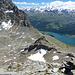 Rückblick über den Ostgrat. Bei dem kleinen Schneefeld erreichten wir der Grat, dort wo der Grat mehr einem Rücken ist.