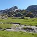 Das Gelände unterhalb Piz d'Emmat Dadaint ist unübersichtlich. Man sollte sich hier Zeit nehmen.