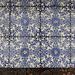 Azulejo, die Kacheln findet man häufig in Kirchen und öffentlichen Gebäuden. Die Glasurtechnik stammt aus Persien, ist eine Hinterlassenschaft der Mauren (Wikipedia).
