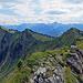 ein Stück vom Walserweg mit Hochgerach, Hüttenkopf, Kuhspitze und Tälispitz<br />