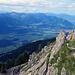 auf den letzten Meter zum Gipfel übersteigt man diesen felsigen Gipfelaufbau