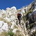 Im Aufstieg zwischen Zeleni vir und Velika previja - Ein kurzes Steilstück ist mit Drahtseil gesichert.