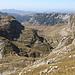 Im Aufstieg zwischen Zeleni vir und Velika previja - Rückblick. Unten sind auch das Urdeni do und das Dobri do zu erahnen, im Hintergrund der Lojanik.