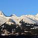 Panorma klein, fotografiert in Triesenberg bei der Hinfahrt nach Malbun, die Alvierkette in der Morgensonne