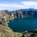 Auch vom Quilotoa-Krater sieht man die Illinizas, hier allerdings von Süden. Der Norte also links.