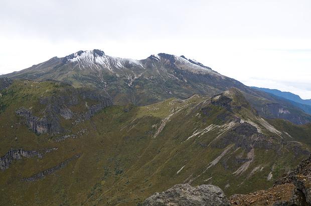 Blick vom Rucu auf den Guagua Pichincha
