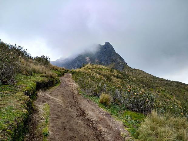 Wer zu spät kam, den bestraften - wie so oft in Ecuador - die Wolken!